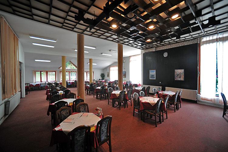 Restorni hotela Kopaonik i Jelak 2