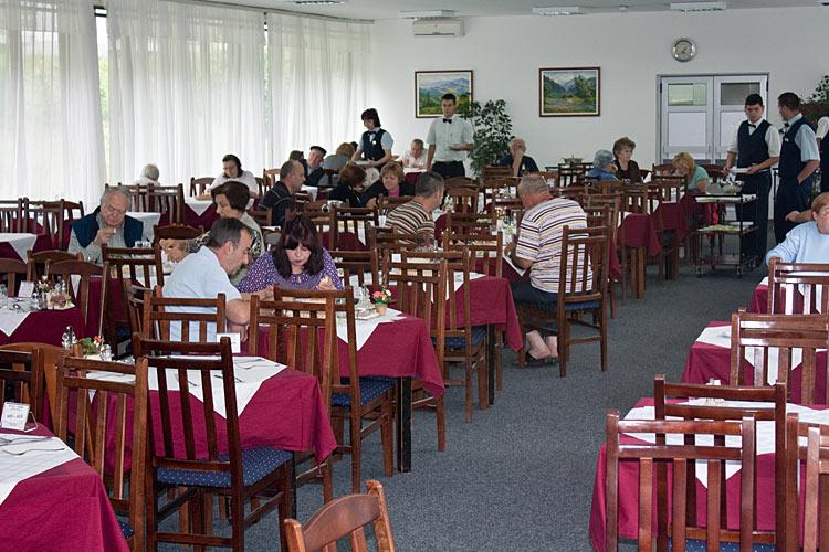 Restorni hotela Kopaonik i Jelak 3