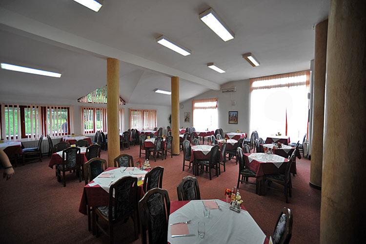 Restorni hotela Kopaonik i Jelak