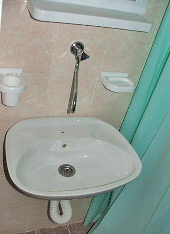 Ribarska Banja sobe Andjelković kupatilo