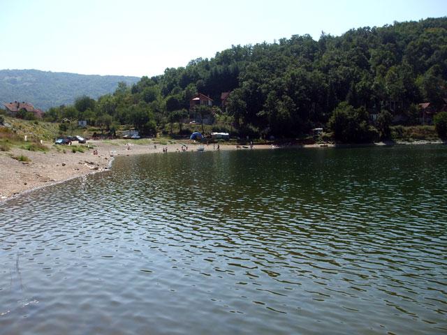 plaža na bovanskom jezeru